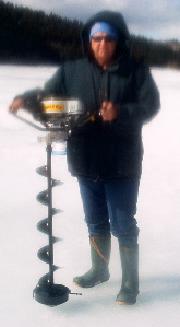 terry-and-his-ice-auger-0051
