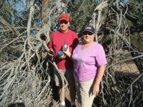Larry & Sheila & the 10,000th geocache